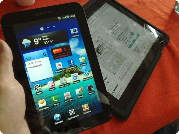 Galaxy Tab and iPad _10_