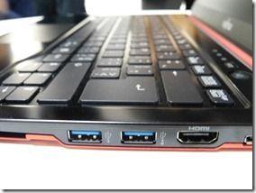 Fujitsu Lifebook U772 (2)