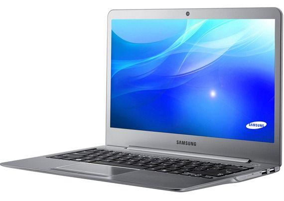 Samsung 530U3C - Side