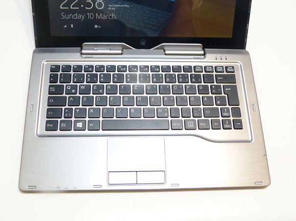 Fujitsu Q702 Hybrid (24)