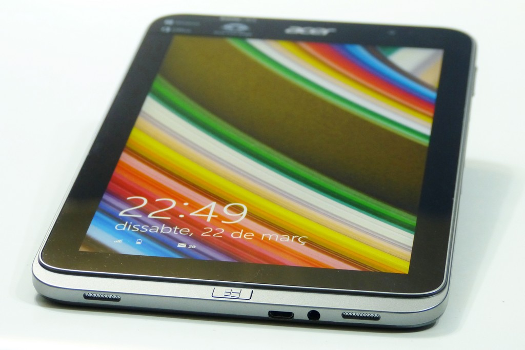 Acer Iconia W4 Images by Carrypad