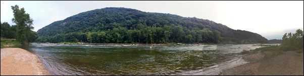 river pano