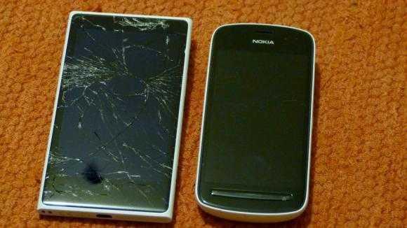 broken lumia 1020